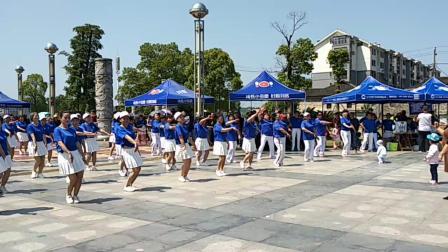 庆祝新中国成立70周年活动!沅陵县广场排舞协会。