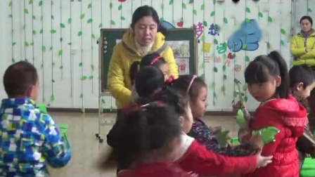 幼儿大班艺术活动打击乐《快乐的养蚕人》