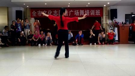 点击观看《好学中老年人古典舞梨花颂舞蹈视频》