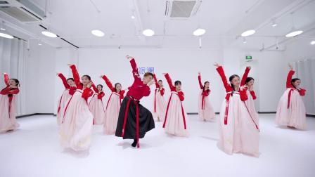 点击观看《年轻女孩中国舞琵琶行视频》