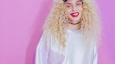 君晓天云妖精的口袋2019新款女装秋季亮面运动休闲长袖套头厚棉T短裤套装女