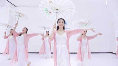 点击观看《派澜中国舞视频白蛇》