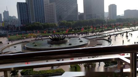 济南市泉城广场音乐喷泉白天全景