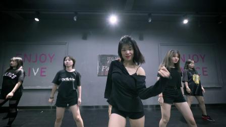 好看的简单的爵士舞视频lalalay