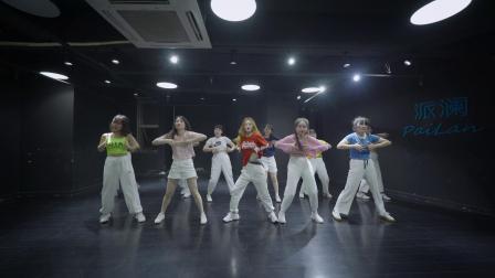 点击观看《小姐姐练习室爵士舞视频Instruction》