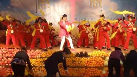 2014年农安县教堂感恩节腰鼓《中华要崛起》