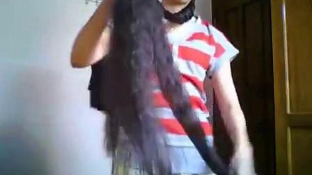 外国长发女编辫子_标清_标清