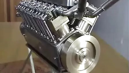 超级牛人纯手工打造迷你v12发动机图片