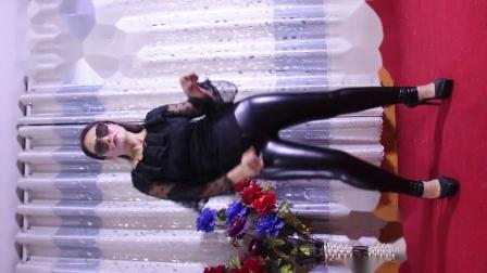 荣蓉广场舞 火辣辣的自由舞 这个天穿皮裤防冻