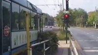 有轨电车公交车共线运营 part2