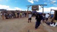 视频: 「极限运动」空翻飞跃72英尺峡谷  惊心动魄的山地车速降