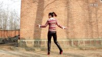 女生舞男生最流行寓意舞广场《美丽的歌曲》歌曲的广场姑娘送头绳图片