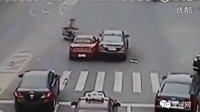 奔驰宝马大街对撞三十回合,富一代PK富二代太火爆!