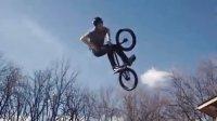 视频: 【极限中国-小轮车】Total BMX  Irek Rizaev 在 'Brotherhood'