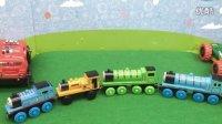 托马斯和他的朋友们 木质磁性轨道小火车 拆封试玩 汽车总动员