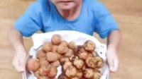 丁丁哥哥又来做饭给妹妹吃了,南瓜球和地瓜球#丁丁当当兄妹#