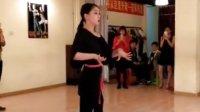 拉丁恰恰舞基本步手接手——美女白老师演示