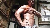 肌肉崇拜性感男人