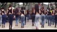 舞蹈  性感 美女统一穿牛仔裤高跟鞋跳广场舞,真是个好风景