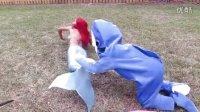 搞笑蜘蛛侠宝宝赶走猫女大白鲨,爱莎公主和美人鱼公主得救