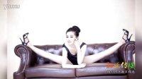 中国柔术美女孙菲展柔韧身段 长腿翘臀令人惊艳