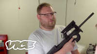 VICE 报道 | 世界上第一把人体芯片枪