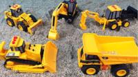 儿童玩具挖掘机视频表演 挖掘机装车视频表演