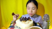 100爱吃饭的妹子  慕斯蛋糕 中国吃播~