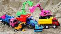 玩具车汽车挖掘机大卡车清理河道垃圾  挖掘机工作视频 大卡车视频