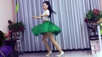 青青世界广场舞 《情歌赛过春江水》附背面
