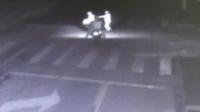7旬老太车祸瞬间推开老伴 被摩托车撞倒身亡