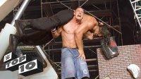 WWE十大逆天力量 大力凤凰女一人扛俩 大秀哥黑山