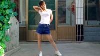 燕子广场舞5211《青春修炼手册》TFBOYS流行歌曲 编舞:段希帆 简单易学