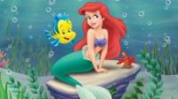 芭比之美人鱼历险记    人鱼公主水底亲吻