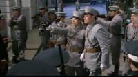 军长澡堂洗澡被勒索一万大洋, 马上让手下带着军队把澡堂给砸了
