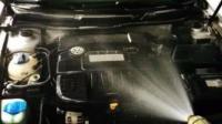 汽车保养小知识: 发动机舱切不可用水冲洗