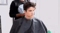 最近很火的一个帅气男生发型, 谁剪谁帅!