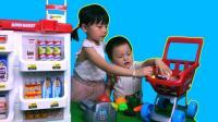 小朋友推购物车到超市购物 过家家儿童玩具 522