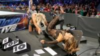 十大女子爆桌场面 强力炸弹摔 这就是WWE女选手的