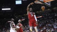 韦德面对NBA每只球队的最佳扣篮集锦, 扣翻瓦莱乔的一幕震古烁今