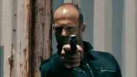 《怒火攻心2》杰森斯坦森心脏被偷, 换上人造心脏复仇