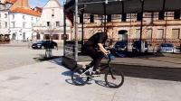 BMX达人游乐园自由炫技!