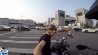 MotoVlog #57  大白腿+大长腿  -  62岁骑着哈雷的老外 还有2个京A牌子