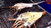 泰国街头特色烤大龙虾, 你们吃过吗?