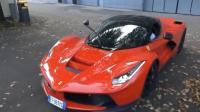 价值4000万法拉利跑车经过高速收费站, 十秒钟后全是尴尬!
