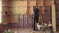 木工装修工作室自己设计了一个超大的置物柜子