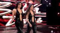 WWE7月24日狂野性感女摔角手萨沙专场!