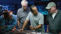 三分钟解读这部三个老人因养老金被骗后抢银行的电影《三个老枪手》