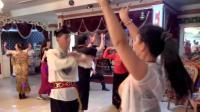 新疆舞-双人舞石河子罗霖老师和阳光灿烂美女在呼图壁舞友联谊会上精彩表演2017.7.30.