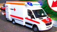 汽车总动员救护车和赛车比赛导致车祸  托马斯华